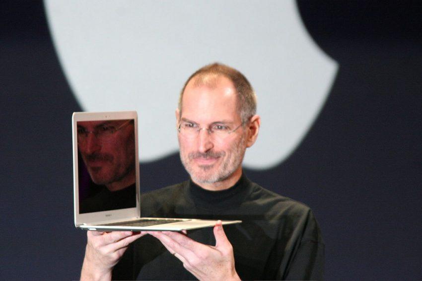 dc1a30a4ffc 6 datos para recordar al genial Steve Jobs - Makía