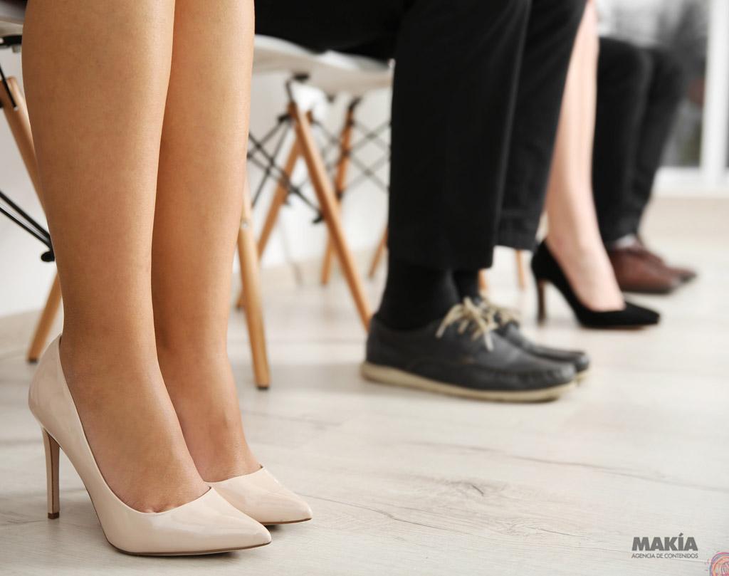 8e3513a7bb4e6 5 zapatos que querrás tener bajo tu escritorio - Makía